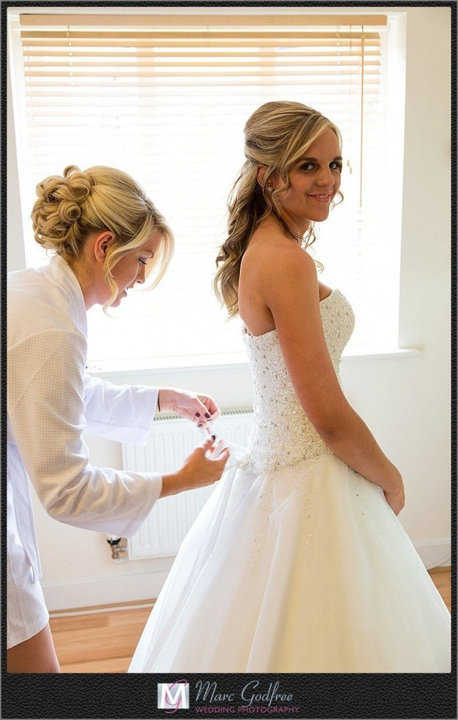 Bridal-Preparation-for-a-Turkey-Mill-Wedding-7