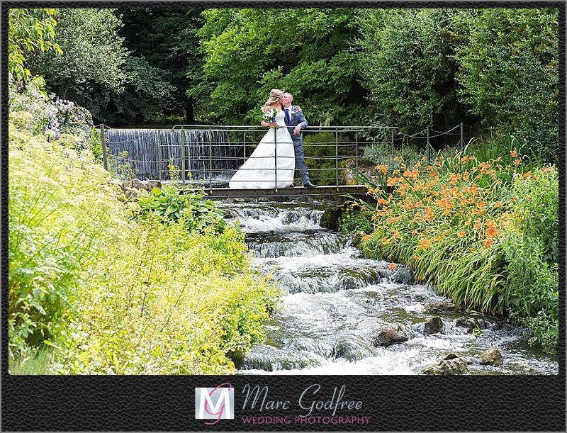 Bride-and-Groom-Wedding-Photos-at-The-Turkey-Mill-6