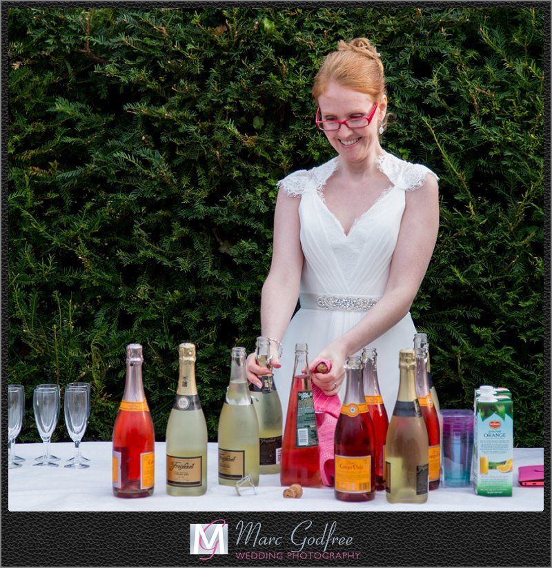 9-top-tips-to-nail-your-outdoor-wedding-theme-Drinks