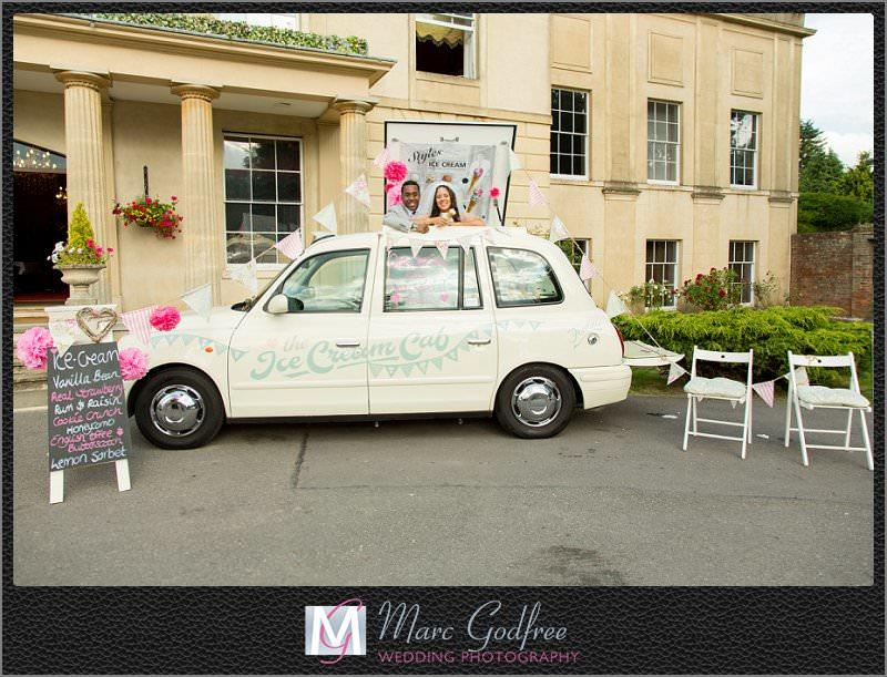 9-top-tips-to-nail-your-outdoor-wedding-theme-Ice-Cream