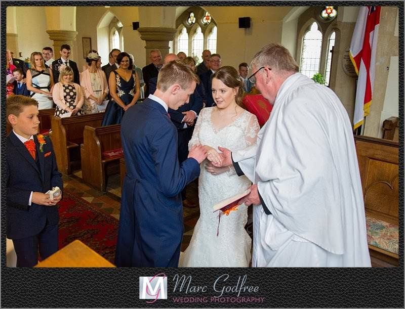 Church-and-Cooling-Castle-Wedding-10