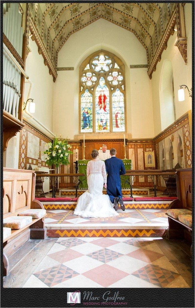 Church-and-Cooling-Castle-Wedding-12