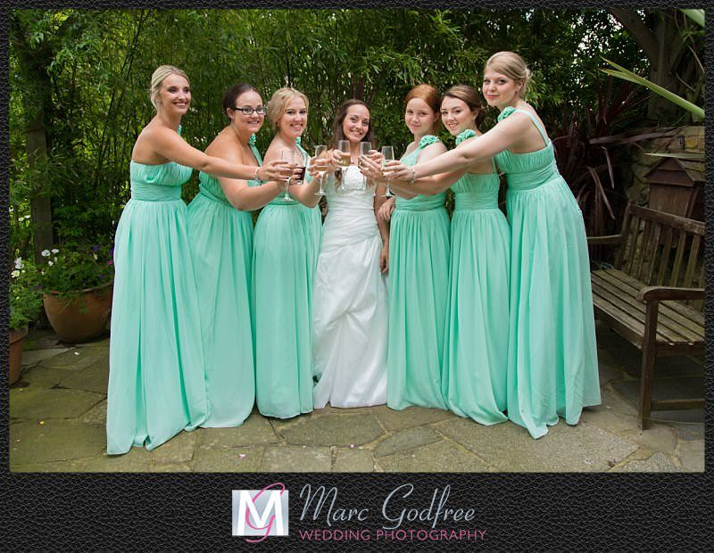 Unmissable-wedding-day-photos-Bridal-party
